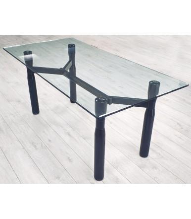 Tavolo in vetro trasparente con gambe in legno